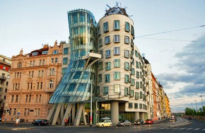 Czech-republic-prague-dancing-house